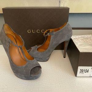 Gucci Suede T-strap gray heels